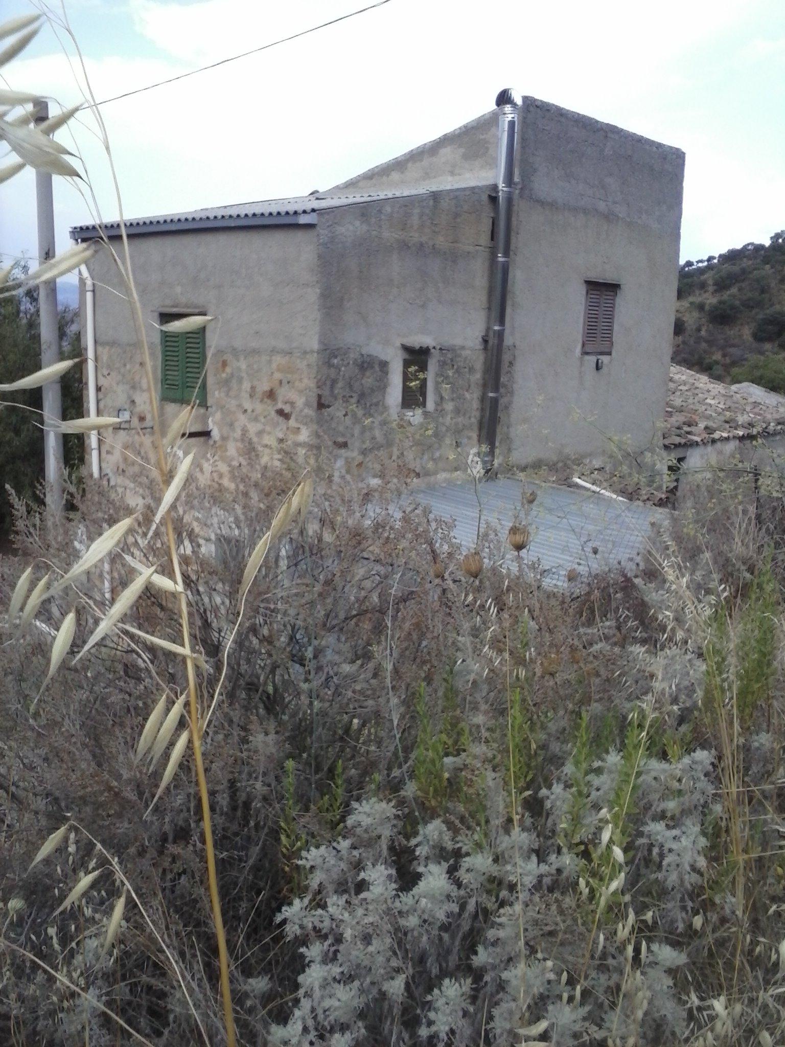 Immobiliers vendre 4 chambres villa maison vendre en for Acheter une maison en italie
